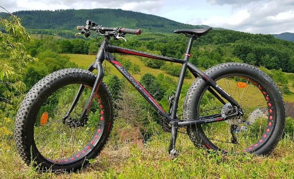 VTT Nakamura summit 710 intersport, fat bike, dans la nature.