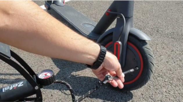 L'extension est obligatoire pour pouvoir accéder à la valve de la roue avant