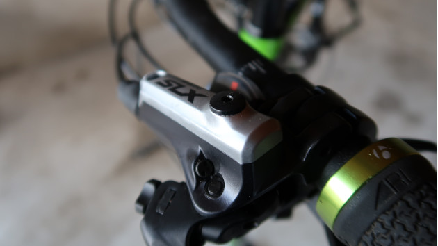 Zoom sur position levier de frein vtt Shimano SLX
