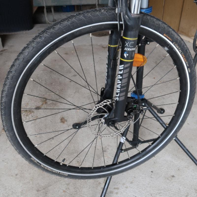 Demontage roue avant d'un VTT équippé d'un étrier Promax 300