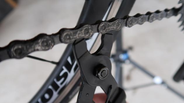 Tous les 1000-1500 kilomètres pensez à changer votre chaine de vélo à assistance électrique